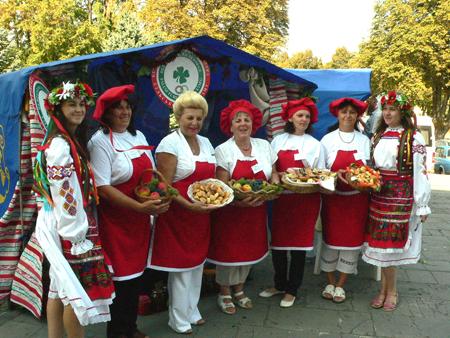 Бабине літо – під знаком туризму: звичні та нові маршрути діятимуть у Закарпатті й восени