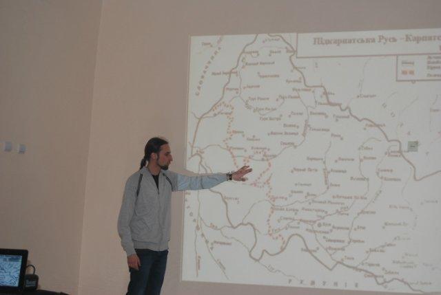 З нагоди 74-річниці проголошення Карпатської України націоналісти провели історичну лекцію в школах міста Ужгорода