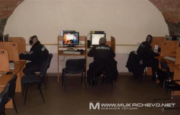 Ужгородські міліціонери вирішили порозважатися під час служби