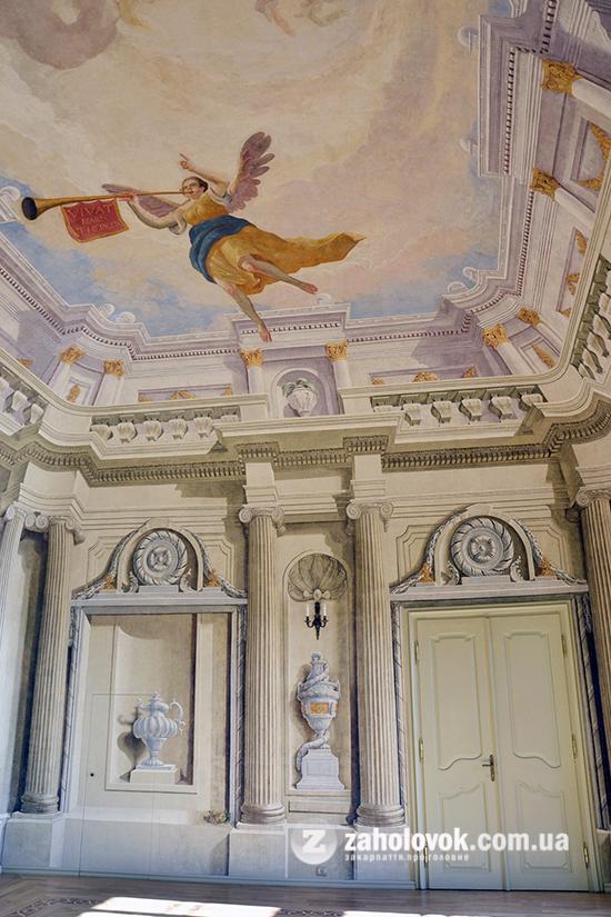 В Ужгородському кафедральному соборі віднайшли альсеко із зображенням імператриці Марії-Терезії