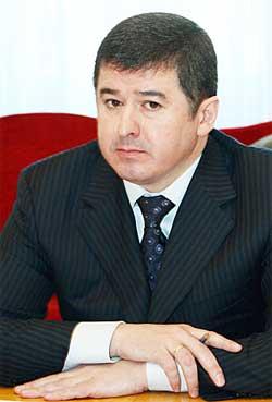 Іван Балога вручив депутатські мандати двом своїм родичам