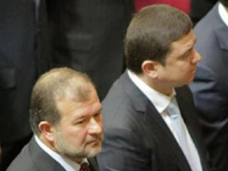 Закарпатські підопічні Януковича тікають до опозиційних лав