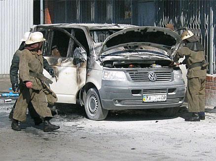 Голова Закарпатської КДКА звинуватив у підпалі свого авто дружину судді