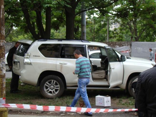 В Ужгороді палили джип циганського барона (фото)