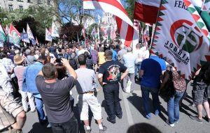 Угорці масово вийшли на акції проти єврейського засилля (відео)
