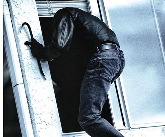 В Ужгороді затримано двох злодіїв, що обкрадали квартири містян