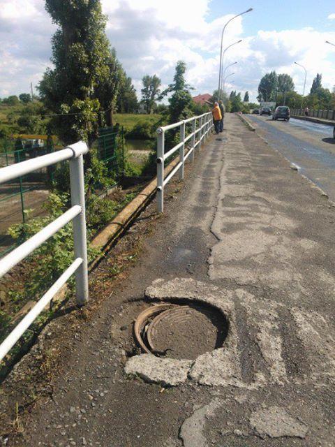 Ужгородський транспортний міст розвалюється (фото)