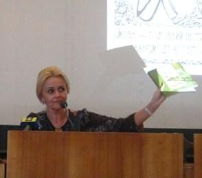 В Ужгороді Ірина Фаріон презентувала лінгвістичні анекдоти та влучні фрази українців