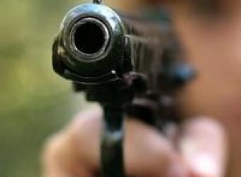 Нетверезий закарпатець погрожував пістолетом оточуючим