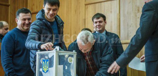Щадей з Чучкою за голосування за регіонала Андріїва отримали 10 тисяч доларів