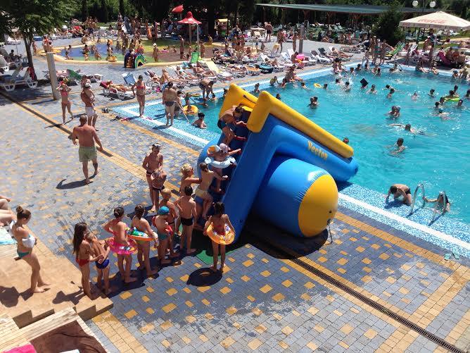 Літо розпочинається в ужгородському «Aqua Rio – Park»