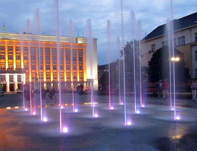Найближчими днями запрацює ужгородський фонтан (ВІДЕО)