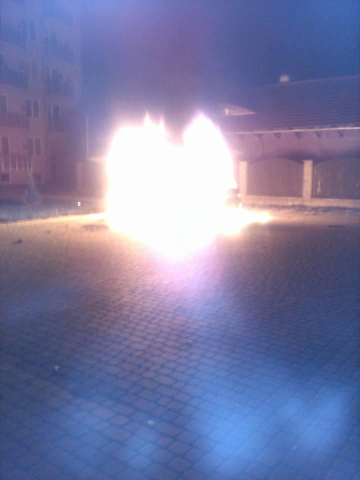 """Ромські розбірки на Закарпатті: підпалили автомобіль """"Audi A7"""""""