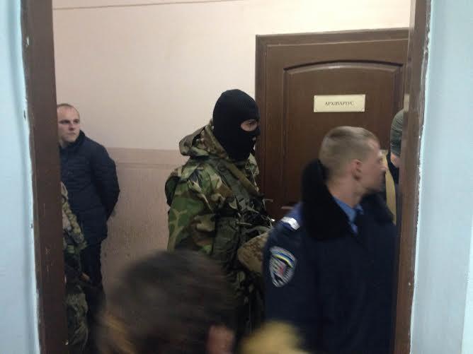 """Прокурор у справі """"драгобратівських"""" правосекторівців втратив свідомість"""