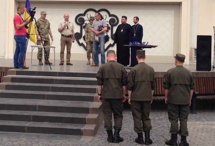 Ужгородським воїнам вручили медалі від президента (ФОТО)