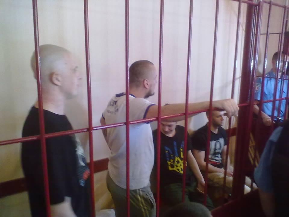 Мукачівський активіст прогнозує, що через рік прокурори та судді опиняться в клітці замість правосекторівців
