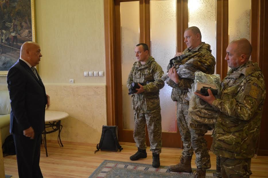 Москаль передав військовим партію спецзасобів від американського благодійника