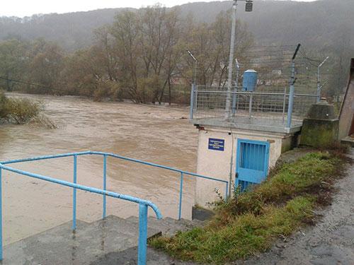 Унаслідок тривалих дощів по всіх річках області спостерігається високий рівень водності.