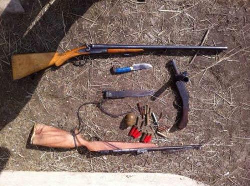 У мешканця Рахівщини поліція вилучила зброю та 6 ящиків цигарок (ФОТО)