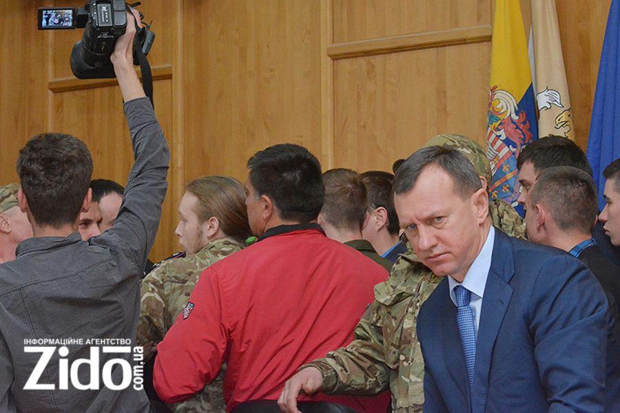 """Ужгородський мер Андріїв отримав """"жовту"""" картку від прокуратури за загравання з корупціонерами"""
