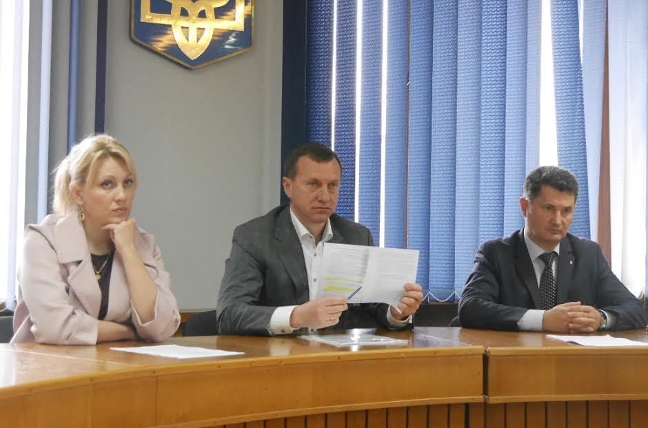 Ужгородські депутати перенесли сесію щоб не розпалювати міжконфесійний конфлікт