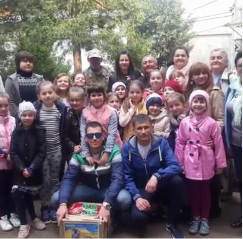 В Мукачівській бібліотеці діти зустрілись з ветеранами АТО (відео)