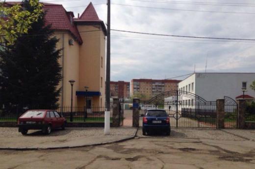 """В Ужгороді """"замінували"""" будівлю """"Закарпатгазу"""""""