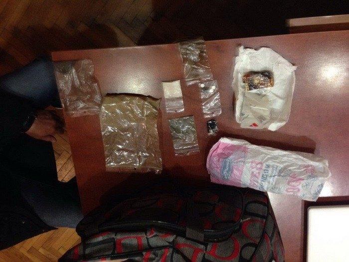 Прокуратура Закарпаття оголосила про підозру чотирьом наркодилерам (ФОТО)