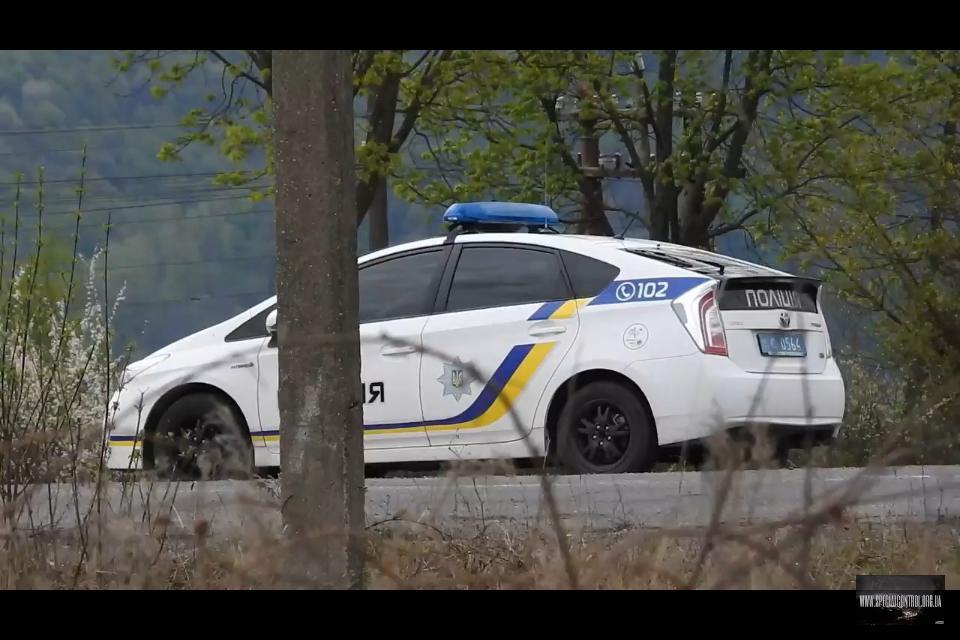 """""""Спецконтроль"""" зафіксував таємниче авто закарпатської поліції із затемненим склом (відео)"""