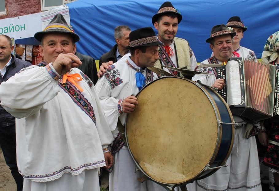 На Тячівщині гучно відсвяткували День добросусідства між Україною та Румунією (фото)
