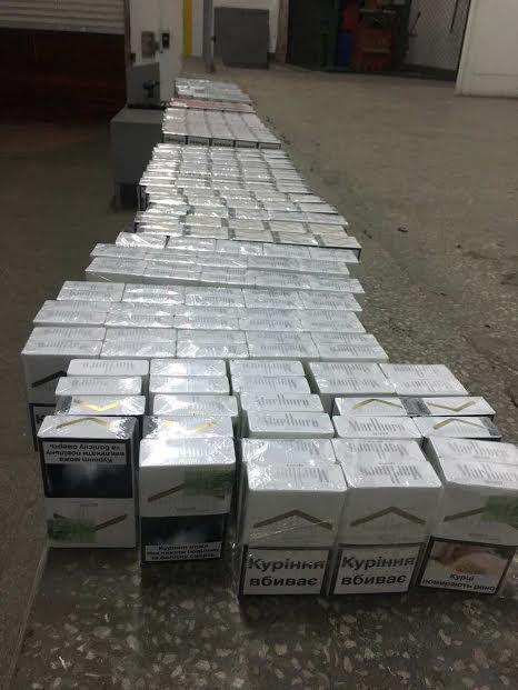 Закарпатські прикордонники знову не пропустили цигарки в Європу