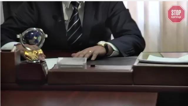На Закарпатті голова громади не задекларував цінний подарунок від Литвина (відео)