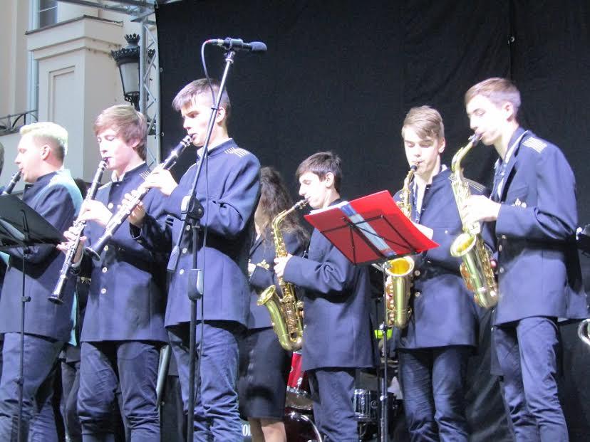 В Ужгороді відбувся урочистий концерт на честь жертв Другої світової війни (фото)