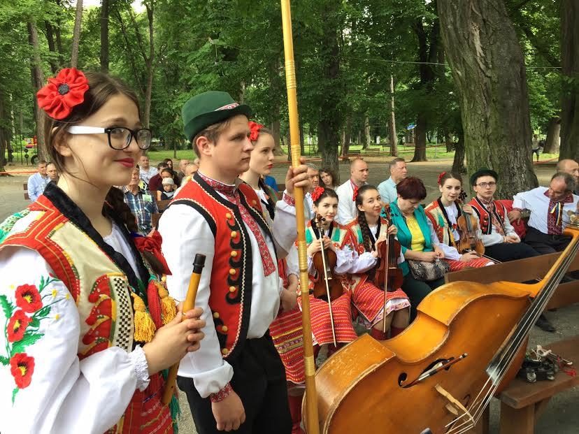 """Громадськість та ветерани АТО в Ужгороді відзначили 97-му річницю крайової """"Просвіти"""" (відео)"""