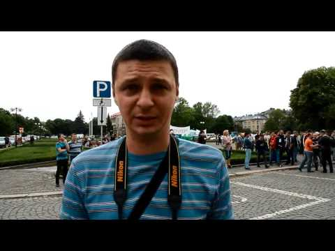 Закарпатському журналісту закидали яйцями вікна квартири (відео)