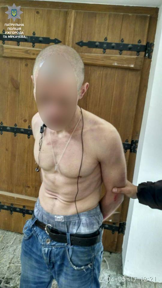 Патрульні в Ужгороді затримали психопата