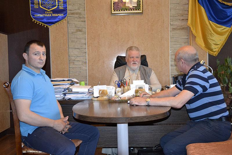 В Ужгороді обговорили питання підготовки військових капеланів
