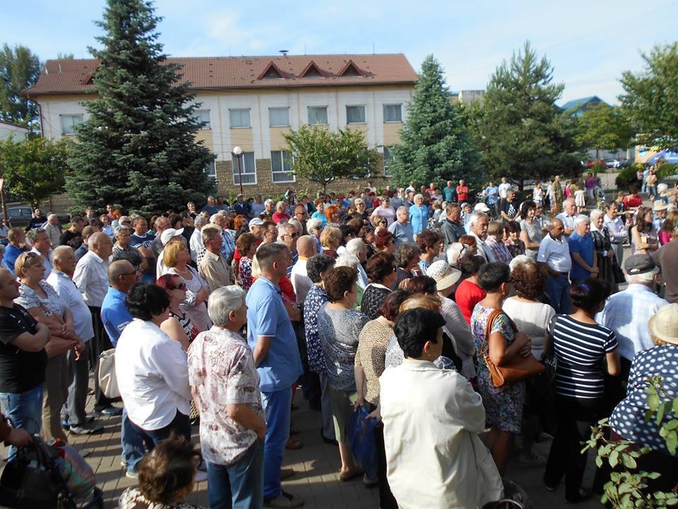 В Чопі зібрався багатолюдний мітинг на підтримку заарештованого мера Самардака (відео,фото)