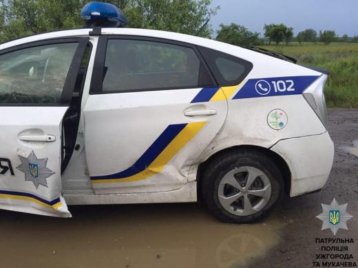На Закарпатті правоохоронці затримали групу осіб, яка причетна до викрадення автомобілів