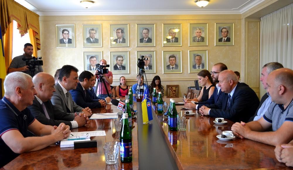 Закарпаття та Устецький край (Чехія) офіційно уклади договір про взаємну співпрацю (фото)