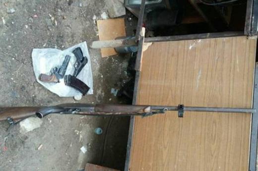 Правоохоронці знайшли арсенал зброї у будинку закарпатця