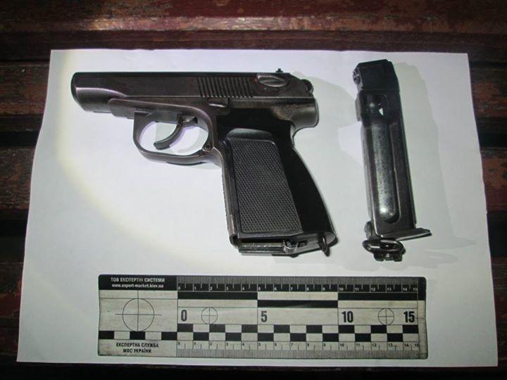 Поліція з'ясовує обставини кульового поранення ужгородця