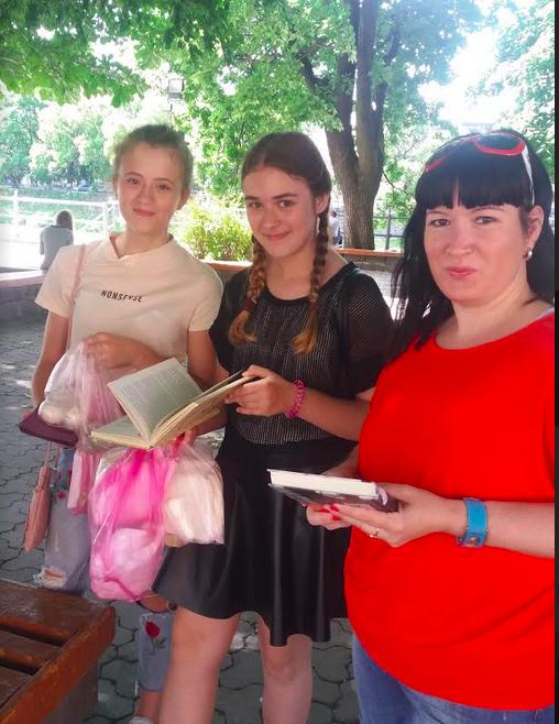 В Ужгороді відкрили вуличну бібліотеку (фото)