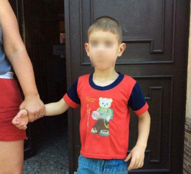 Дві небайдужі мукачівки привели до поліції хлопчика, який загубився