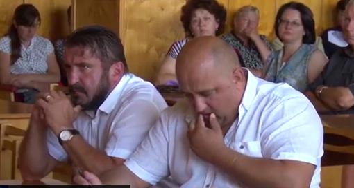 В Хустській райраді заколотники провели кадровий переворот (відео)