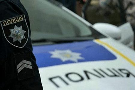 Ужгородські патрульні просять допомоги у розшуку водія, що скоїв ДТП і втік