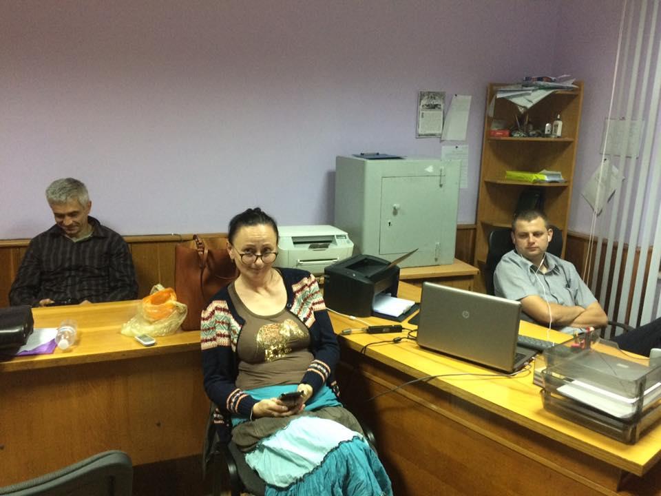 Ужгородські активісти провели ніч у військовій прокуратурі (відео)