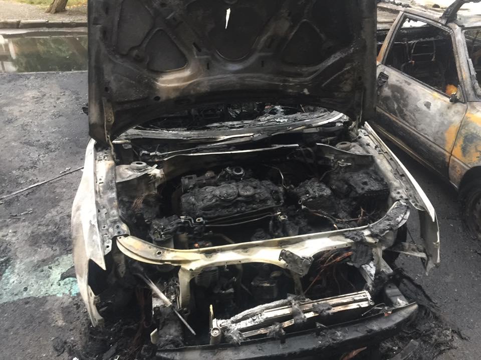 Спецконтролівець звинуватив правоохоронців у причетності до підпалу своєї автівки (відео)