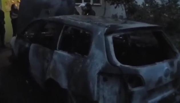 """В Ужгороді представнику """"Спеціального контролю"""" підпалили авто (відео)"""