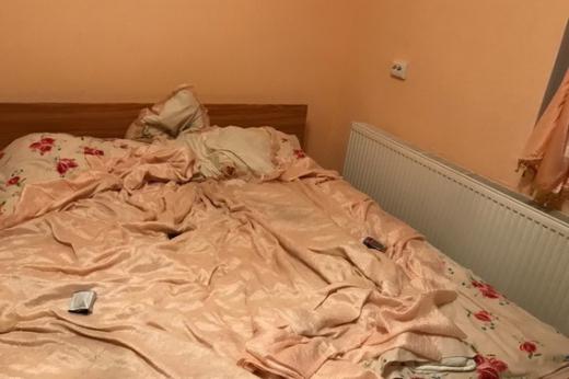 В готелі на Ужгородщині правоохоронці викрили звідницю та повію (ФОТО)